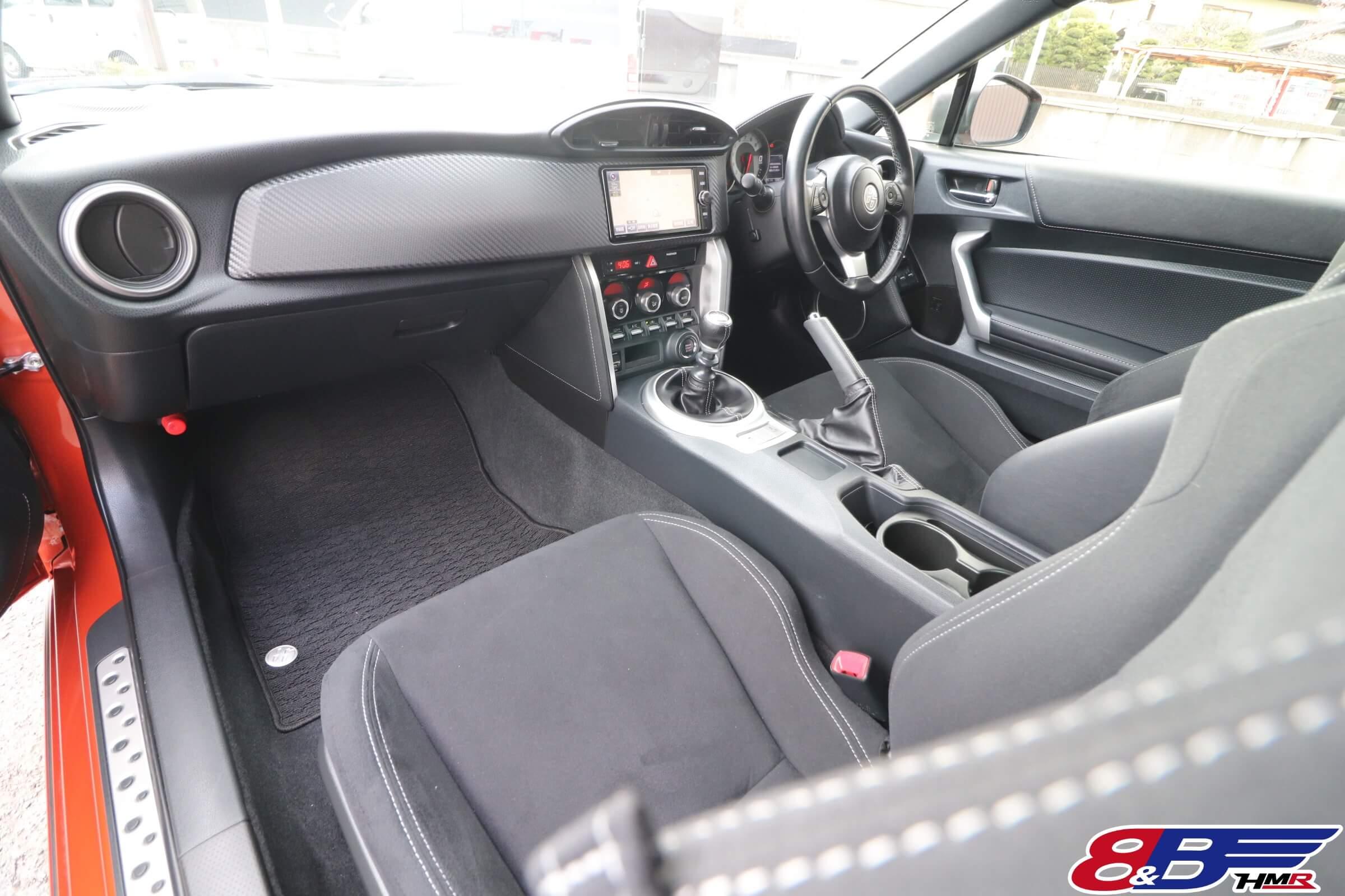 トヨタ86(ZN6)後期内装