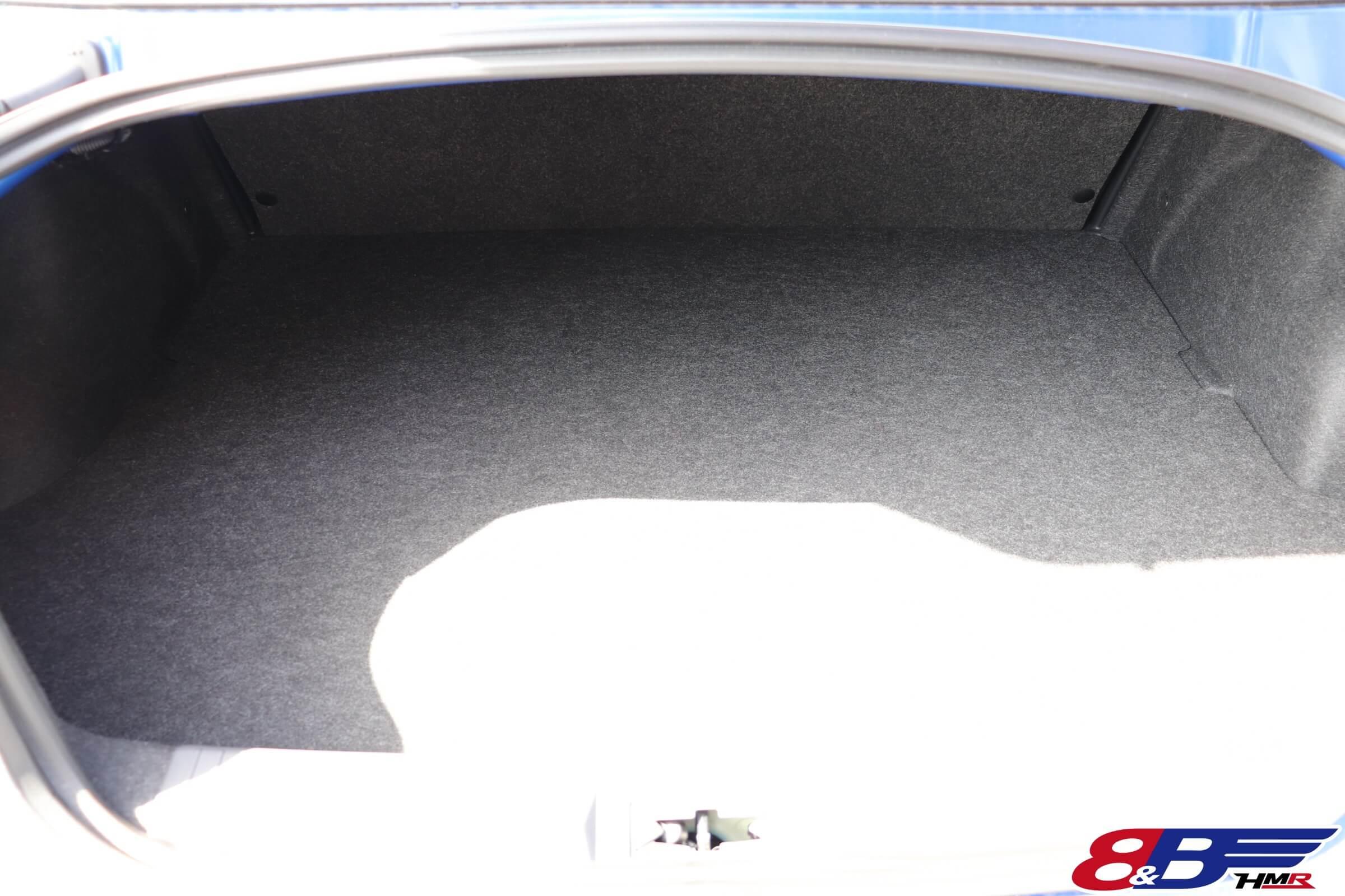 スバルBRZ(ZC6)トランク