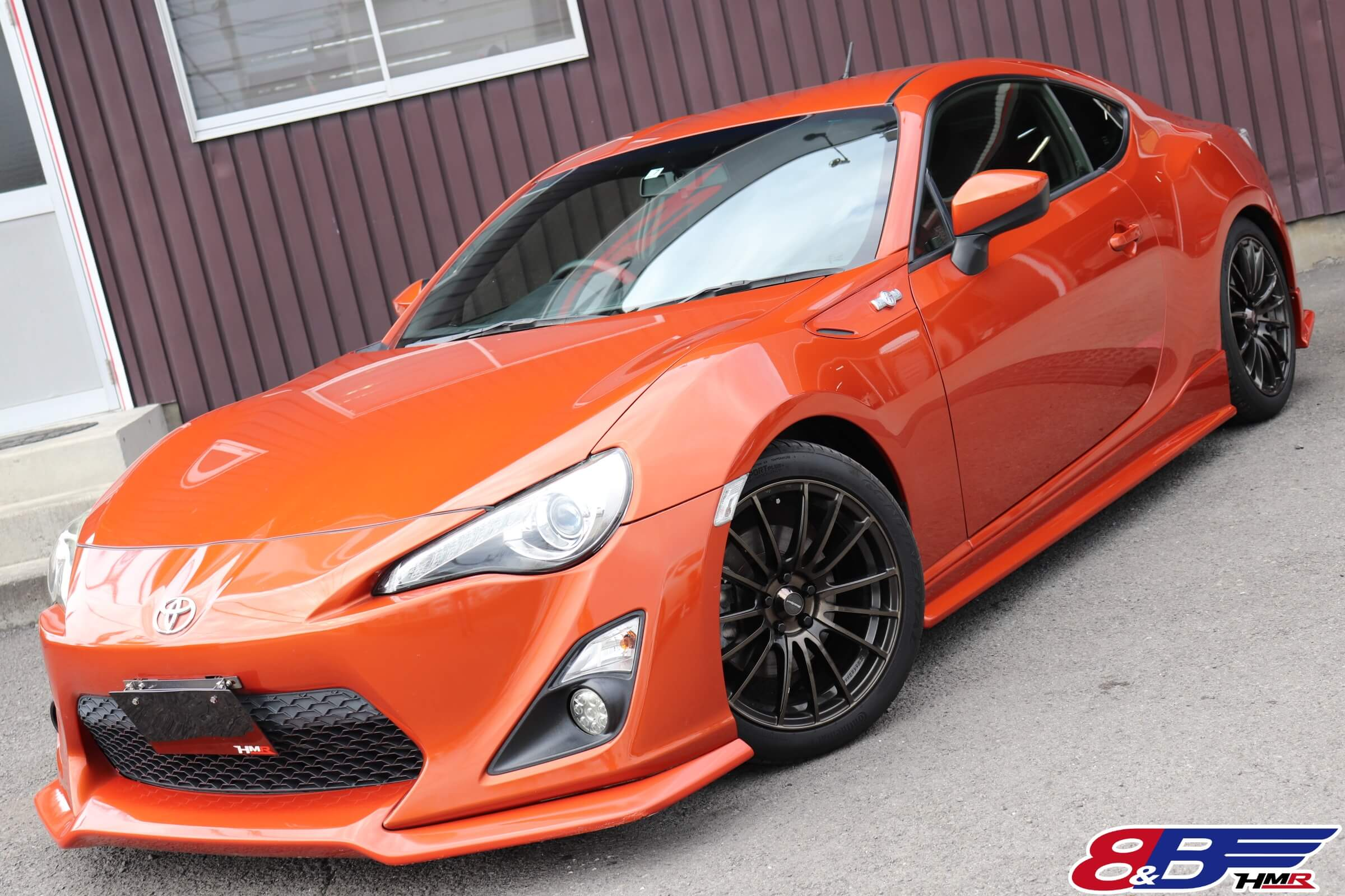 トヨタ 86 GT オレンジ