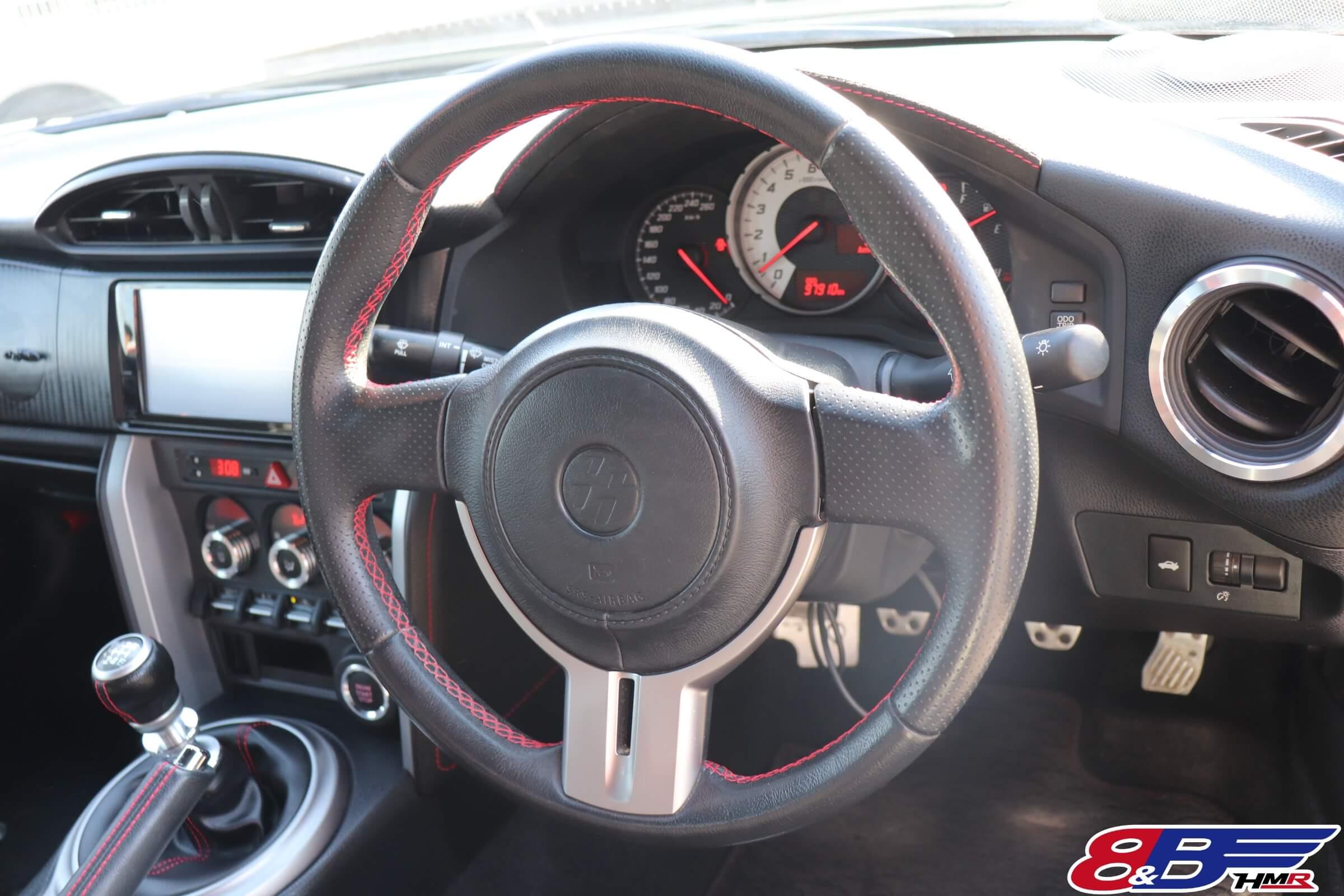 トヨタ86(ZN6)ステアリング