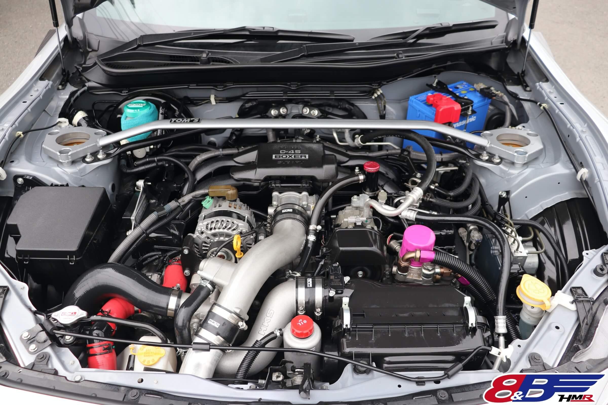 トヨタ86(ZN6) エンジンルーム