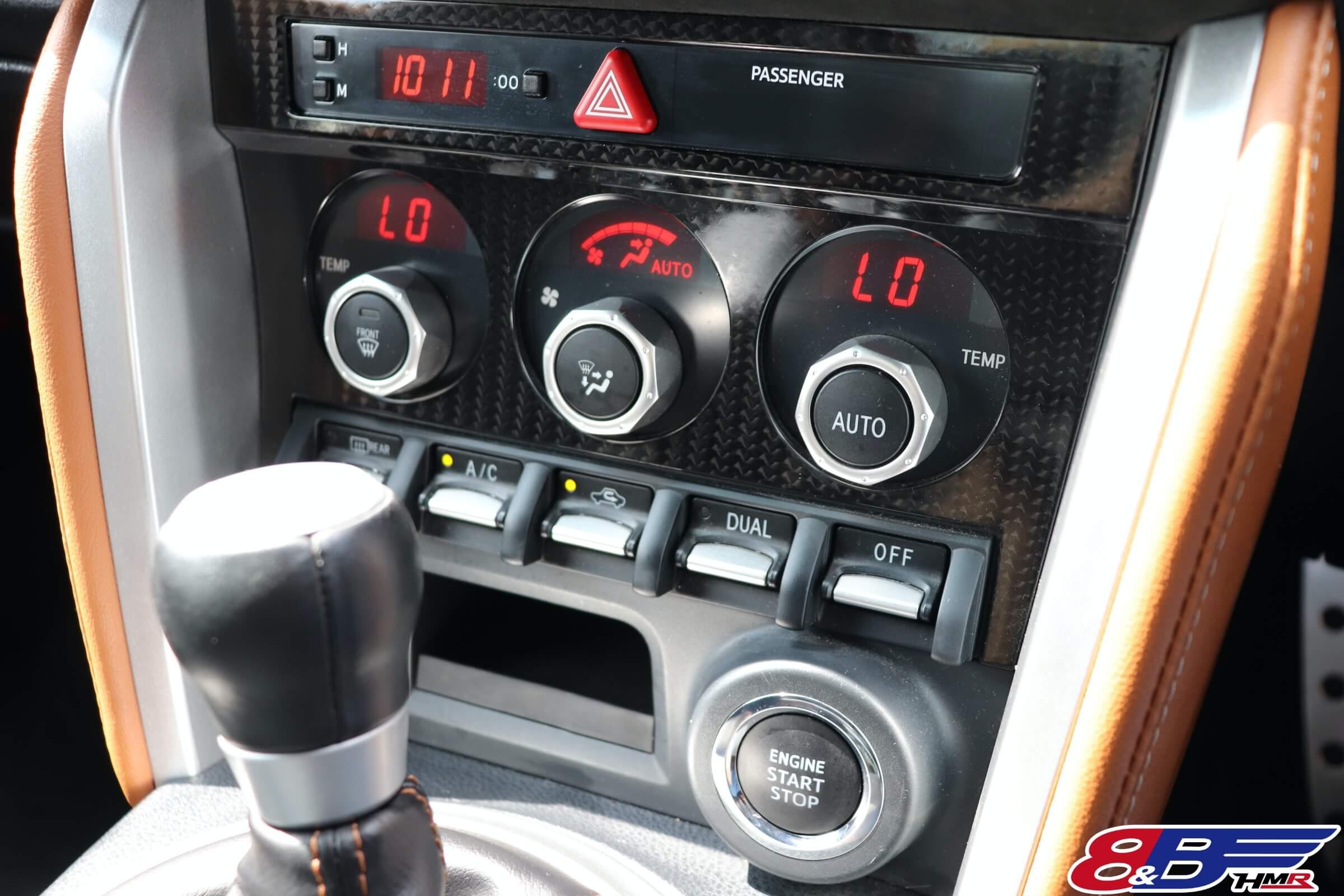 86GTリミテッドブラックパッケージ エアコンスイッチ